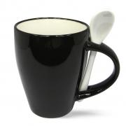 Черно белая кружка с ложкой